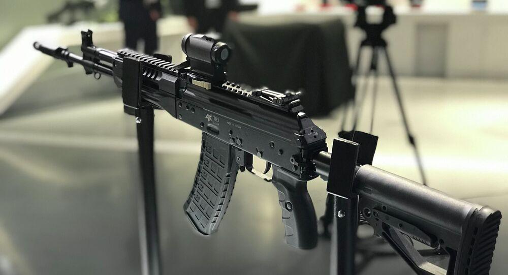 بندقية أ كي - 12