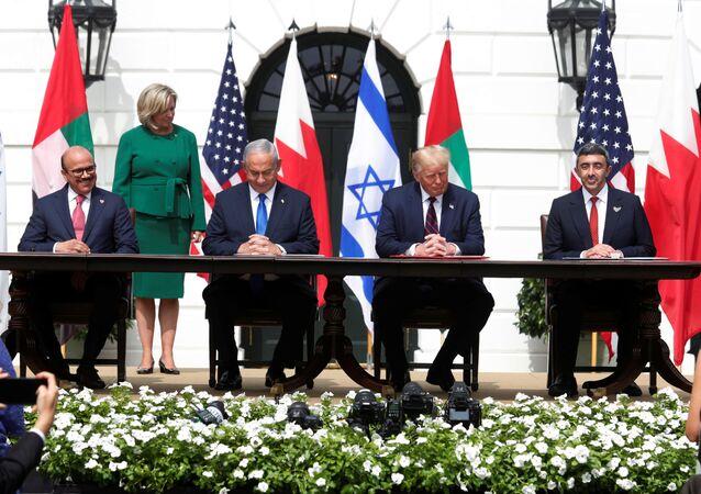 توقيع اتفاقيتي السلام بين إسرائيل وكل من الإمارات والبحرين