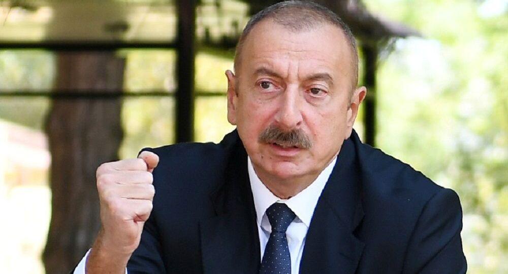 التصعيد العسكري بين أرمينيا و أذربيجان في منطقة ناغورني قره باغ (قرة باغ)، رئيس أذربيجان إلهام علييف يزور المشفى المركزي لعلاج الجنود المصابين في  منطقة النزاع العسكري، 30 سبتمبر 2020