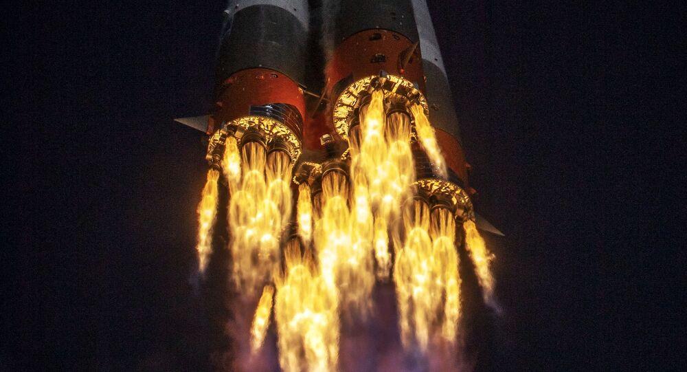 إطلاق صاروخ طراز سويوز إم إس17 بمركبة الفضاء المأهولة سويوز أم إس17، والتي أقلعت من بايكونور، لتلتحم مع مركبة الفضاء الدولية، 14 أكتوبر 2020