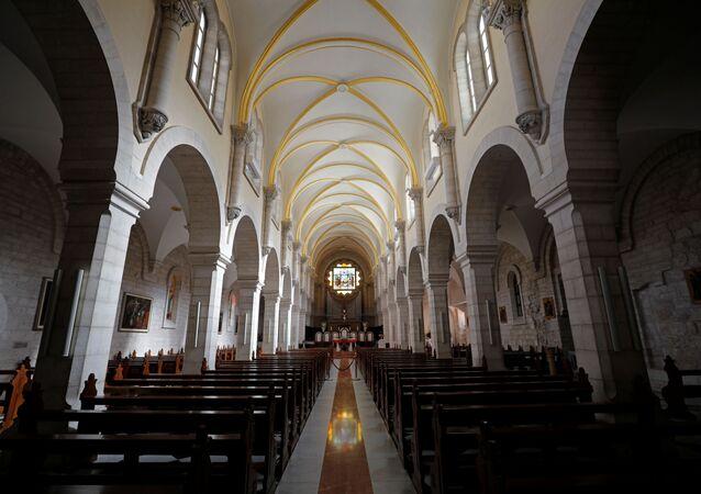كنيسة المهد قبل عيد الميلا في بيت لحم، فلسطين