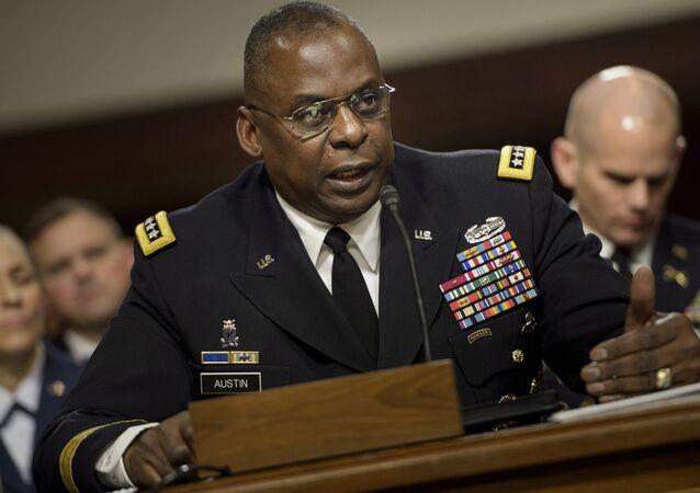 قائد القيادة المركزية الأسبق بالجيش الأمريكي، والمرشح لمنصب وزير الدفاع الأمريكي الجديد لويد أوستن