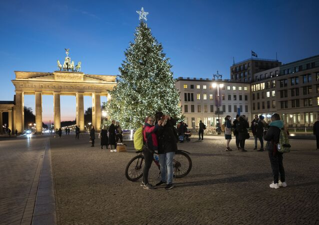 الشوارع تتزين في ألمانيا استعدادا لاحتفالات الكريسماس