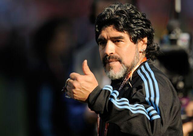 مدرب منتخب الأرجنتين الوطني ولاعب كرة القدم الأرجنتيني دييغو مارادونا