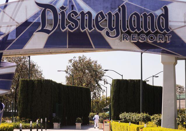 ديزني لاند في كاليفورنيا
