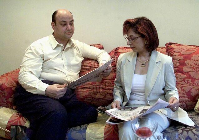 الإعلامي المصري، عمرو أديب مع زوجته الإعلامية، لميس الحديدي، القاهرة، 14 يونيو/ حزيران 2001