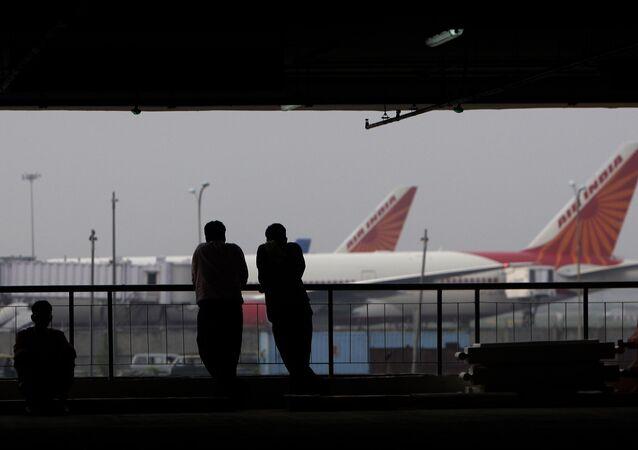 مطار أنديرا غاندي الدولي في دلهي في الهند