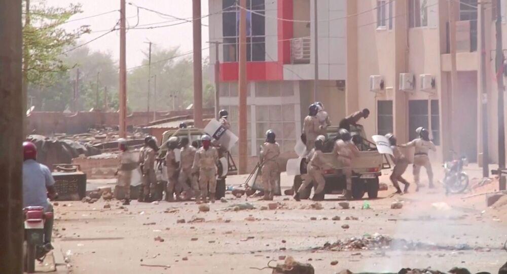 الشرطة الأمريكية تتعامل مع حادث إطلاق نار بأحد المتاجر في ولاية كولورادو