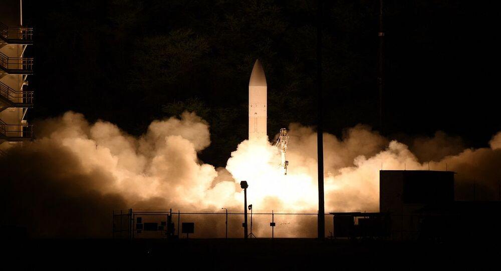 صاروخ أمريكي خارق أثناء الاختبارات في المحيط الهادئ ضمن برنامج الصواريخ التي تتجاوز سرعتها 5 أضعاف سرعة الصوت