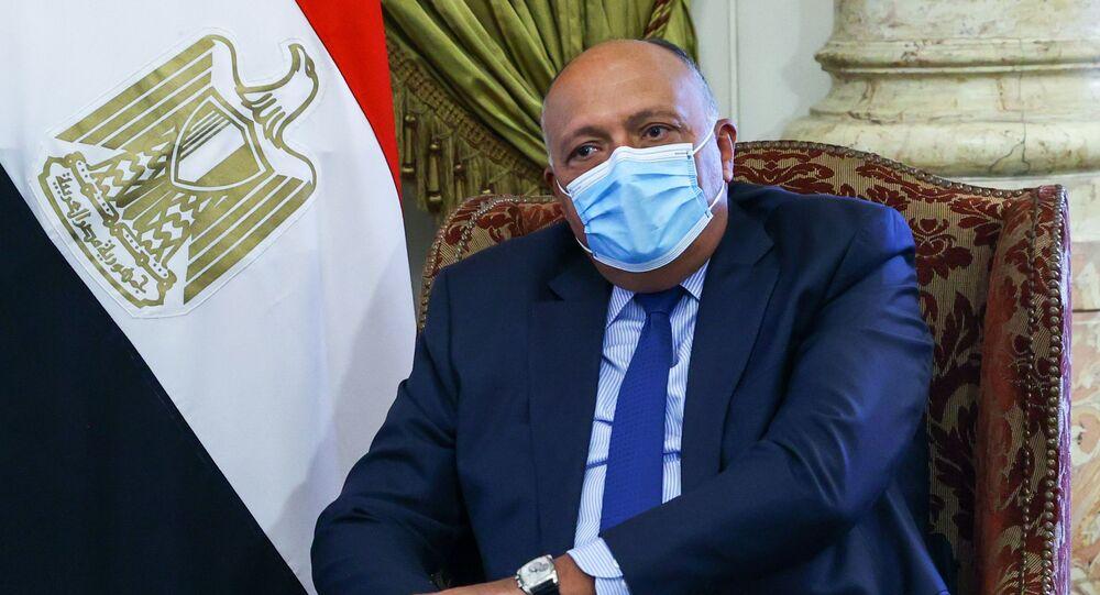 وزير الخارجية المصرية سامح شكري يلتقي مع نظيره الروسي سيرغي لافروف في القاهرة، مصر 12 أبريل 2021