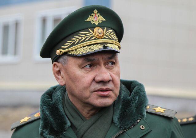 وزير الدفاع الروسي سيرغي شويغو يزور الأسطول الشمالي، في إقليم مورمانسك، روسيا 13 أبريل 2021