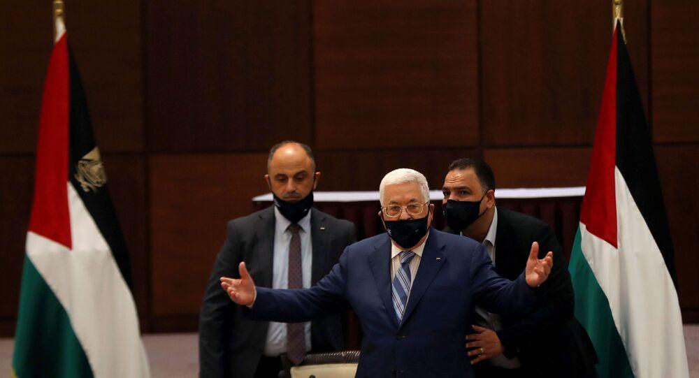 الرئيس الفلسطيني محمود عباس خلال اجتماع في رام الله، الضفة الغربية، فلسطين 18 أغسطس 2020