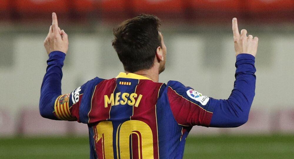ميسي خلال مباراة برشلونة وفالنسيا في الدوري الإسباني