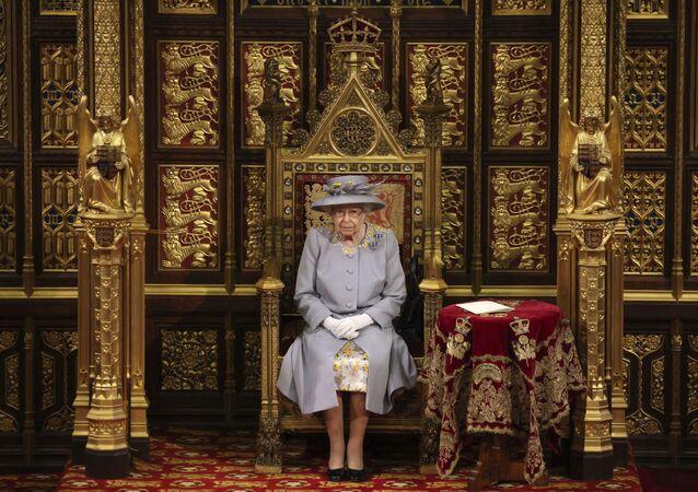 ملكة بريطانيا العظمى، إليزابيث الثانية، تلقي كلمة في مجلس اللوردات بقصر وستمنستر في لندن، بريطانيا 11 مايو 2021