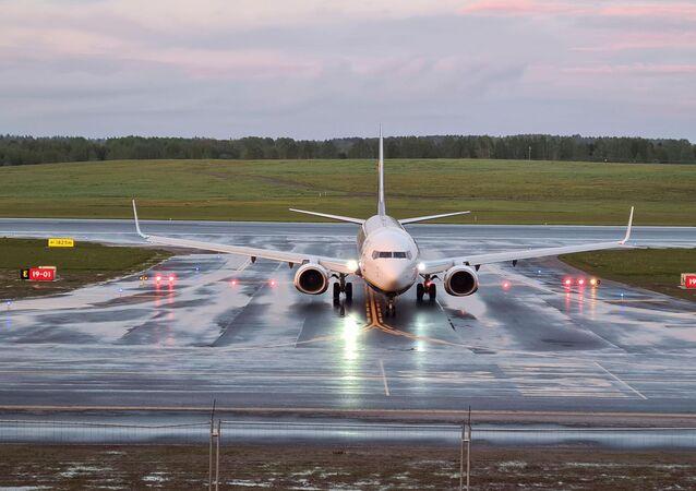طائرة ريان إير في مطار مينسك