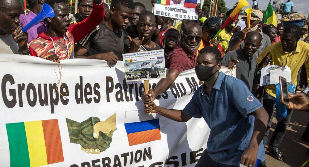 الماليون في باماكو