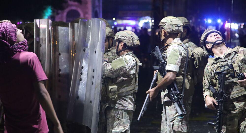 ليلة ساخنة في طرابلس اللبنانية مواجهات إطلاق نار ورمي قنابل
