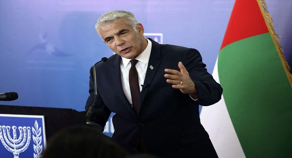 وزير خارجية إسرائيل يائير لابيد خلال افتتاح قنصلية بلاده في دبي بالإمارات العربية المتحدة