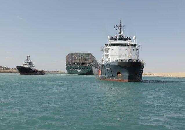 سفينة الحاويات البنمية إيفر غيفن