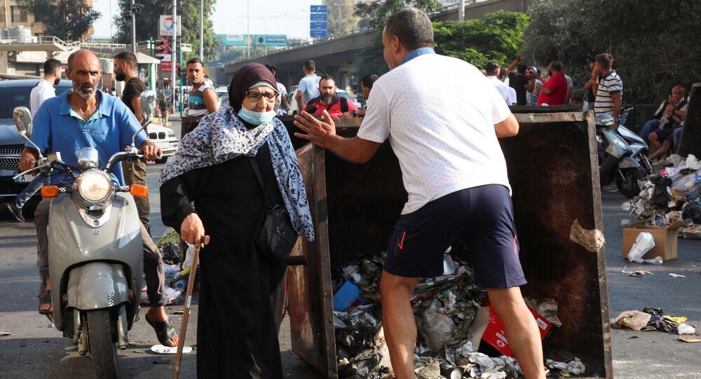 لبنان... احتجاجات ومواجهات عنيفة مع عناصر من الجيش بعد اعتذار الحريري