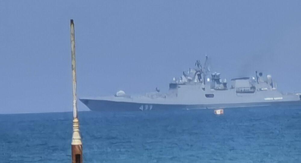 القوات البحرية الروسية العاملة في سوريا تحتفل بعيد الأسطول البحري