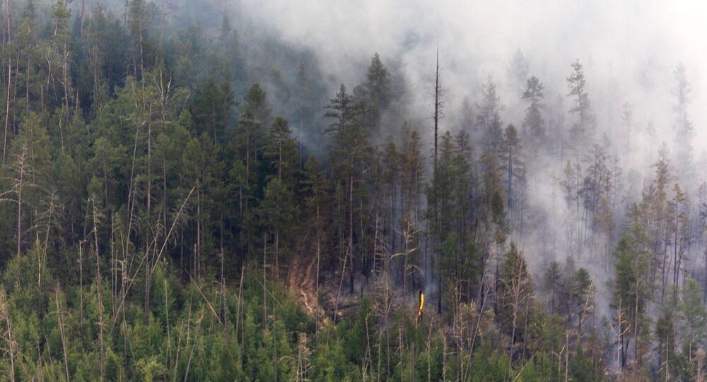 اطفاء حرائق الغابات في ياقوتيا، روسيا  7 يوليو 2021