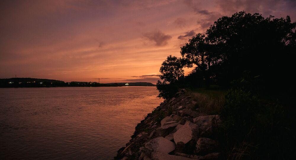 نهر أركنساس بولاية أوكلاهوما الأمريكية