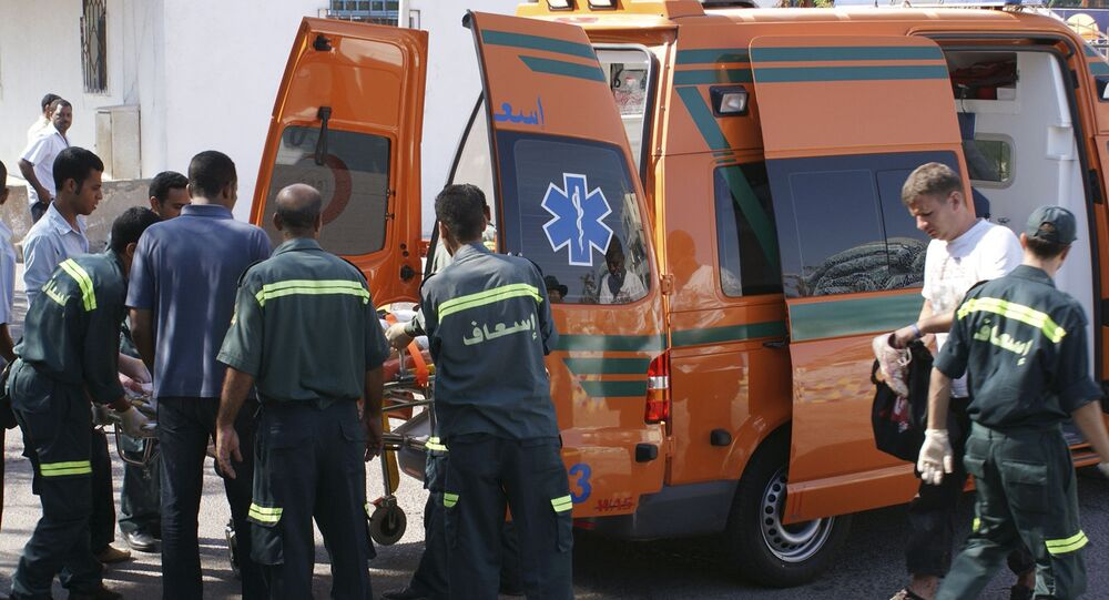 سيارة إسعاف مصرية تنقل مريض- مصر