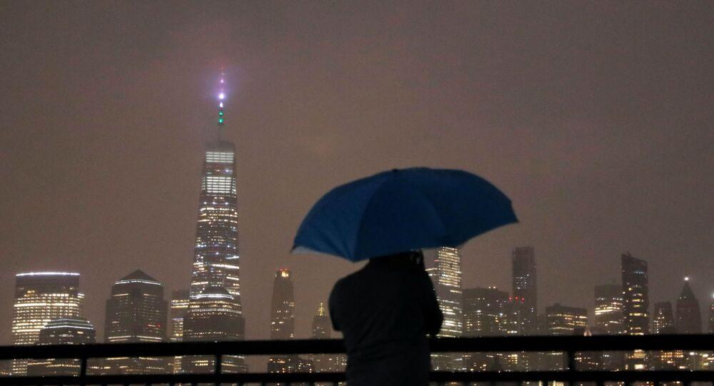 العاصفة هنري تسقط أمطارا غزيرة في أمريكا