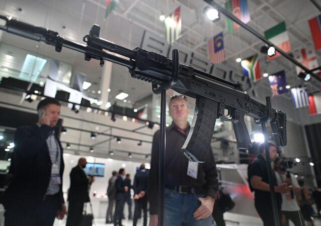 معرض أرميا 2021 - بندقية كلاشنيكوف أكا-12 اس بي