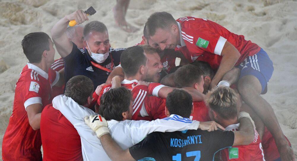 فوز الفريق الروسي بكأس العالم لكرة القدم الشاطئية 2021