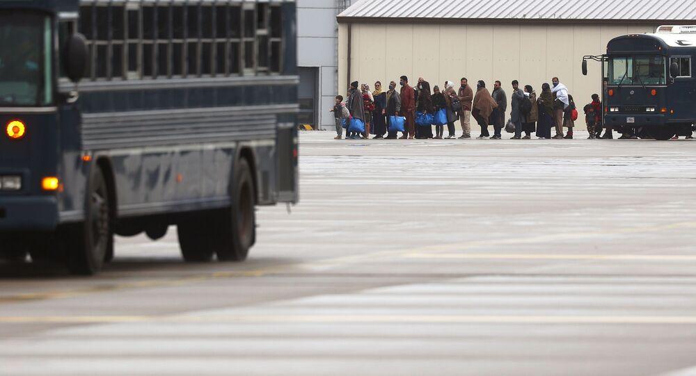 لاجئون أفغانيون في مخيم مؤقت للاجئين من أفغانستان في قاعدة رامشتين الجوية الأمريكية، ألمانيا 28 أغسطس 2021