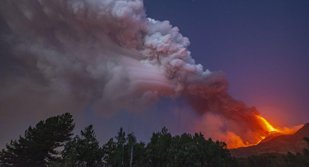 مشاهد من ثوران بركان إتنا في جزيرة صقلية، إيطاليا 9 أغسطس 2021