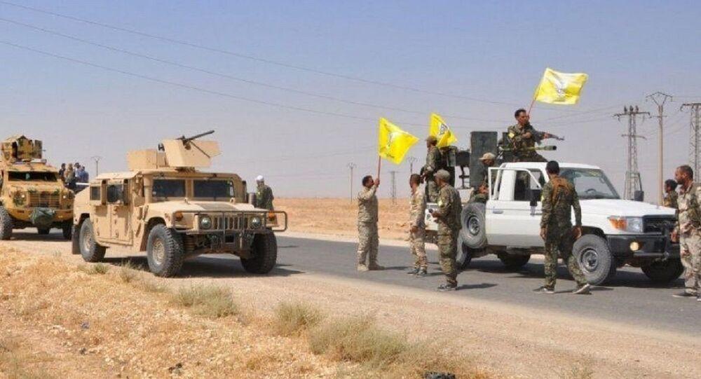 مسلحون موالون للجيش الأمريكي يفككون مقراتهم في 11 بلدة بمحيط قواعده في ريف دير الزور، شرقي سوريا 3 سبتمبر 2021