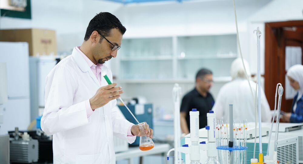 الباحث السوري إبراهيم الشعار، ابن مدينة حلب، اكتشف علاج مرض السرطان بقنبلة السكر