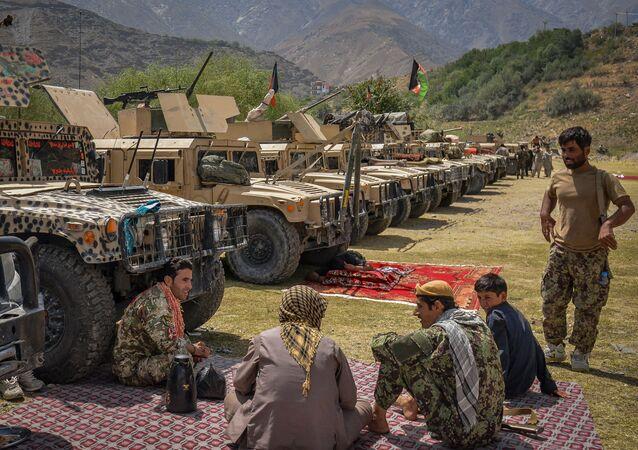 مدرعات أمريكية تستخدمها قوات الأمن الأفغانية قبل سيطرة حركة طالبان على الحكم