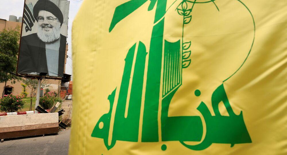 لافتة للأمين العام لـ حزب الله، حسن نصرالله، لبنان 7 يلويو 2020