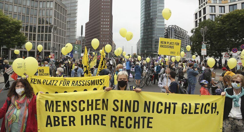 مظاهرات تدعو إلى العدل الاجتماعي (مجتمع عادل قائم على مبدأ التضامن) في برلين، ألمانيا 4 سبتمبر 2021