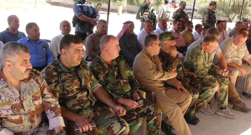 المسلحين يسلمون أسلحتهم للجيش السوري في طفس