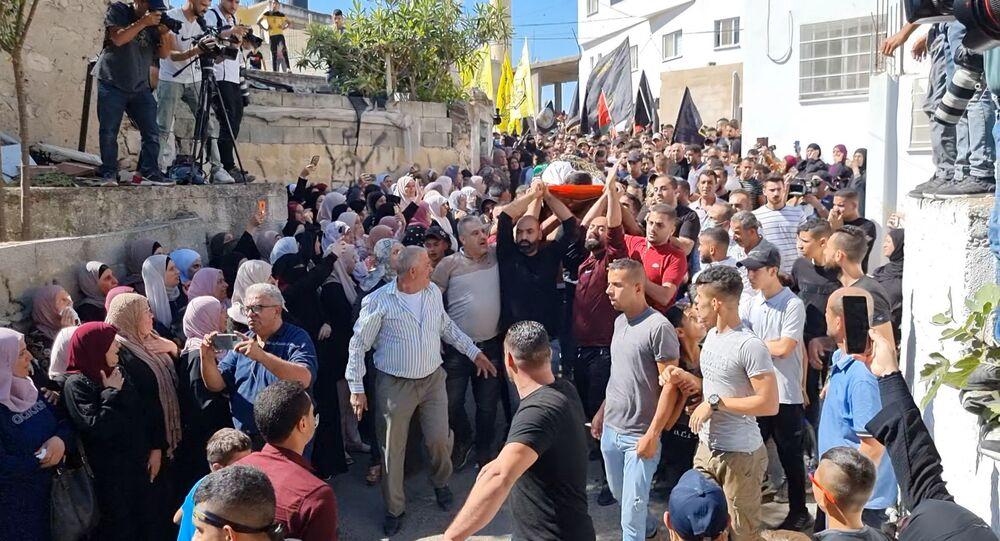 الفلسطينيون يشيعون خمسة شبان قضوا في عملية خاصة للجيش الاسرائيلي والفصائل الفلسطينية تتوعد بالرد