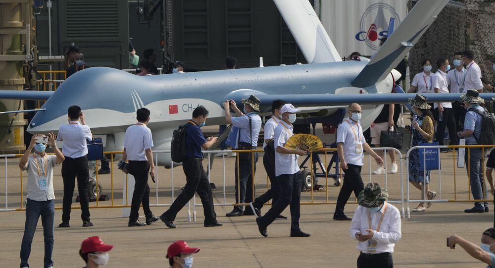 طائرة مسيرة سي إتش-4 (CH-4) التابعة لسلاح الجوي الصيني، في معرض الصين الدولي للطيران والفضاء، أو معرض الصين الجوي، في تشوهاى، مقاطعة قوانغدونغ، الصين  28 سبتمبر 2021