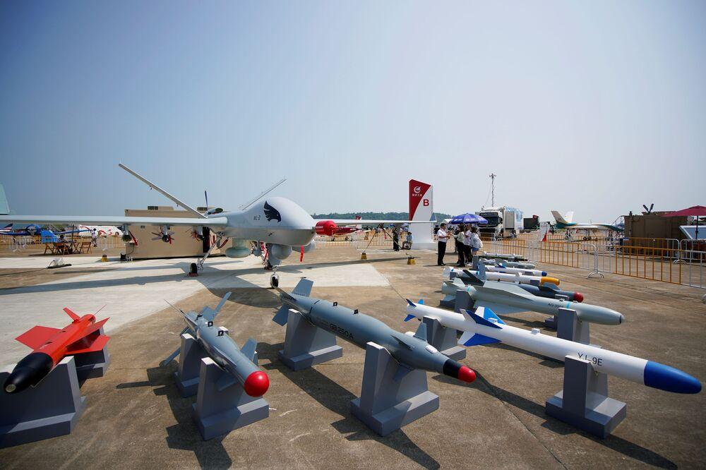 طائرة مسيرة مسلحة وينغ لوونغ II (Wing Loong II) التابعة لسلاح الجوي الصيني، في معرض الصين الدولي للطيران والفضاء، أو معرض الصين الجوي، في تشوهاى، مقاطعة قوانغدونغ، الصين  28 سبتمبر 2021