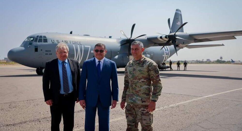 رئيس الحكومة الليبية عبد الحميد الدبيبة وقائد القوات الأمريكية في أفريقيا