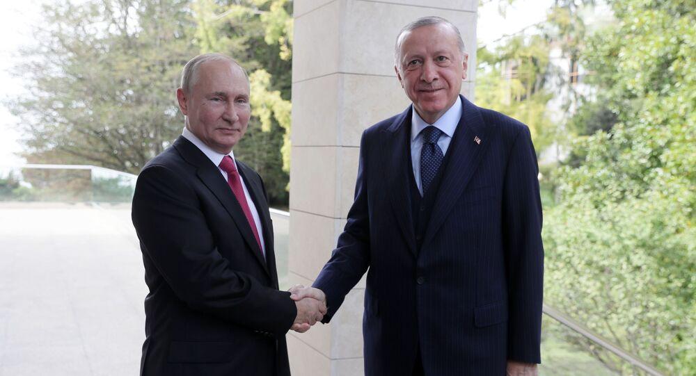 لقاء الرئيس الروسي فلاديمير بوتين بالرئيس التركي رجب طيب أردوغان في سوتشي