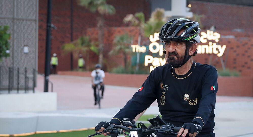 حاكم دبي، الشيخ محمد بن راشد آل مكتوم أثناء تجوله في معرض إكسبو 2020 دبي بدراجته الهوائية، 11 سبتمبر/ أيلول 2021