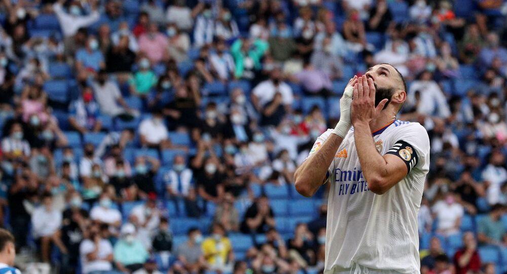 كريم بنزيمة بعد أن خسر فريقه ريال مدريد أمام اسبانيول 2-1