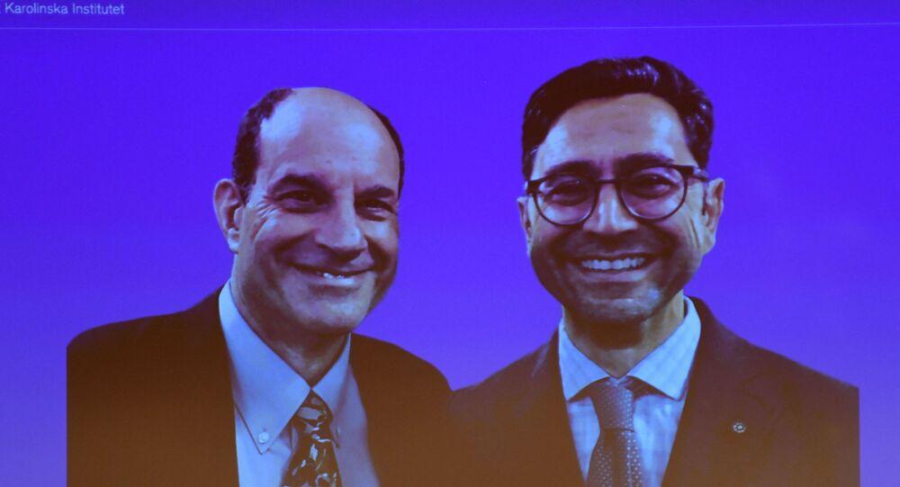 فوز الأمريكيين ديفيد جوليوس وأرديم باتابوتيان بجائزة نوبل للطب 2021