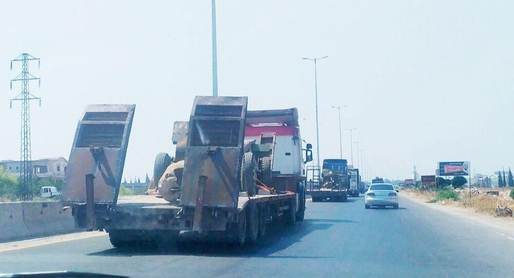 الجيش السوري يستقدم تعزيزات عسكرية ضخمة نحو إدلب