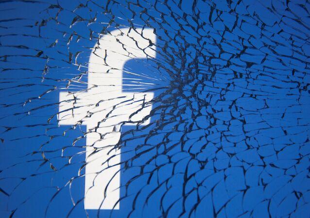 تعطل خدمات تطبيقات فيسبوك واتساب وإنستغرام