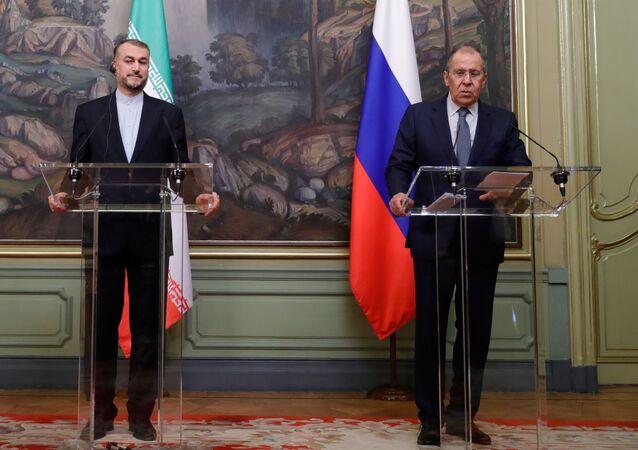 مؤتمر صحفي مشترك لوزير الخارجية الروسي سيرغي لافروف ونظيره الإيراني حسين أمير عبد اللهيان في موسكو، روسيا 6 أكتوبر 2021